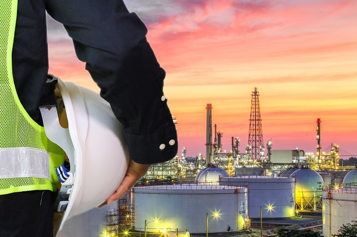 oil and gas, worker with white helmet